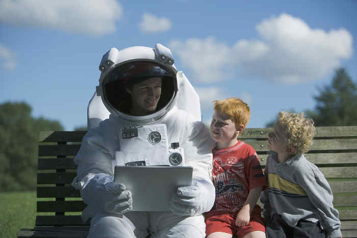 Fiorello talking to his children about space travel